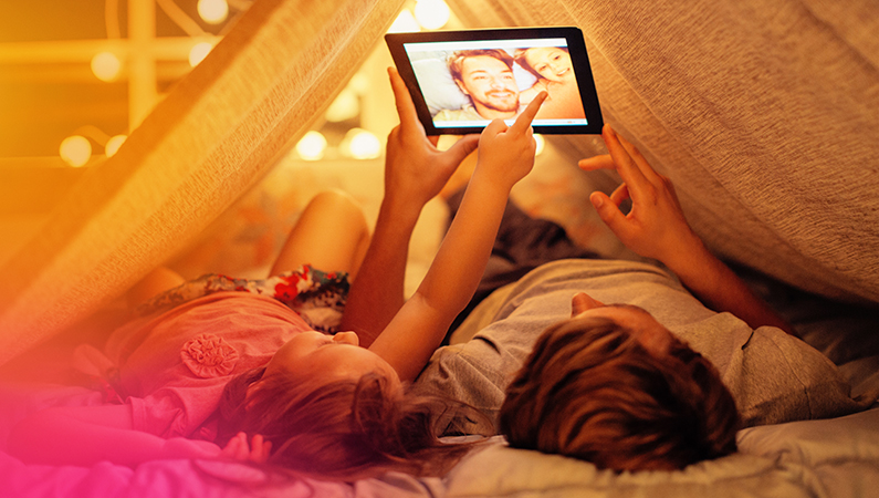 Girls-iPad-795x450.jpg